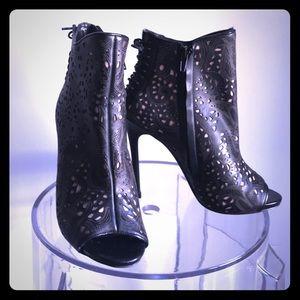 Steve Madden Ankle boot heels